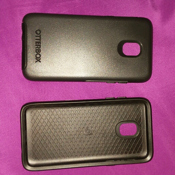 2 brand new OtterBox phone cases NWT